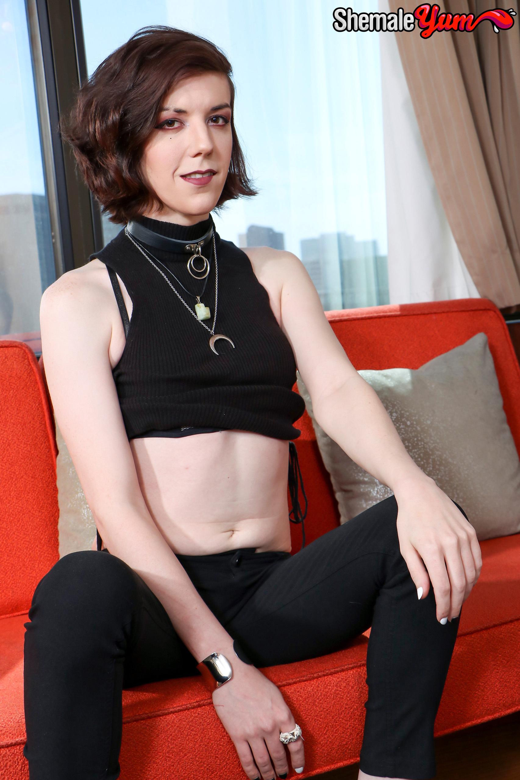 Chelsea Kos – Transvestites Fucking