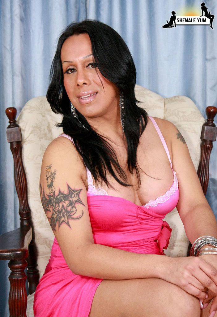 Ebony Transexual Who Enjoys To Be Fucked!