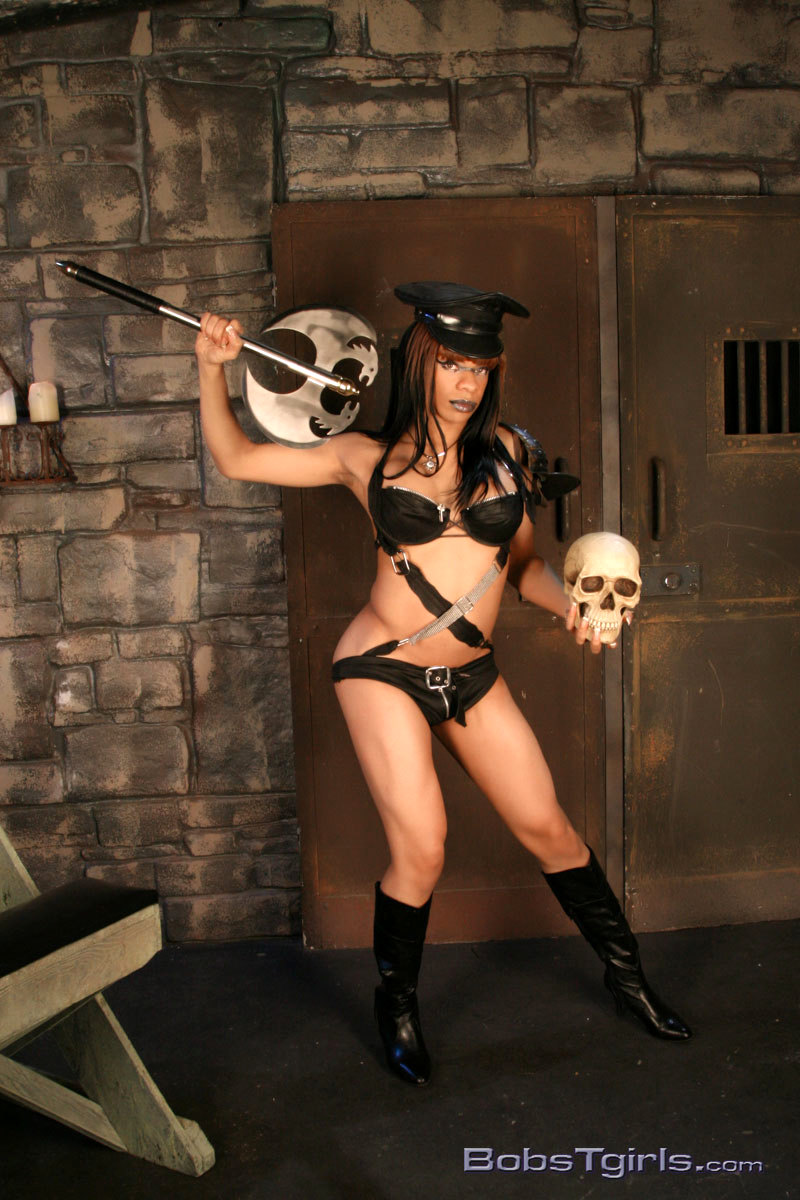 Enormous Penis Officer Sasha In Dungeon