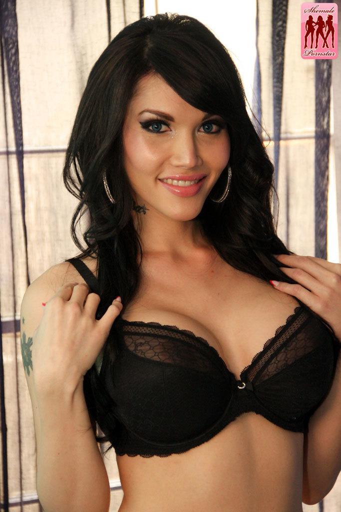 Flirtatious Eva Lin Is Back Looking Better Than Ever! This Gor