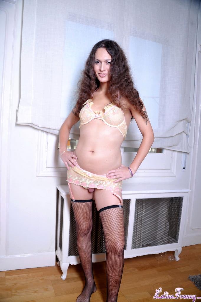 Gorgeous Nicole Montero Posing In Steamy Stockings