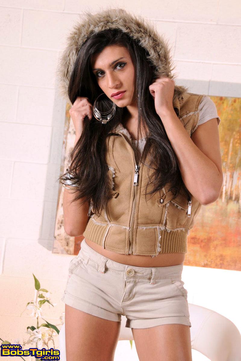 Innocent Brunette Amanda Stripping And Posing