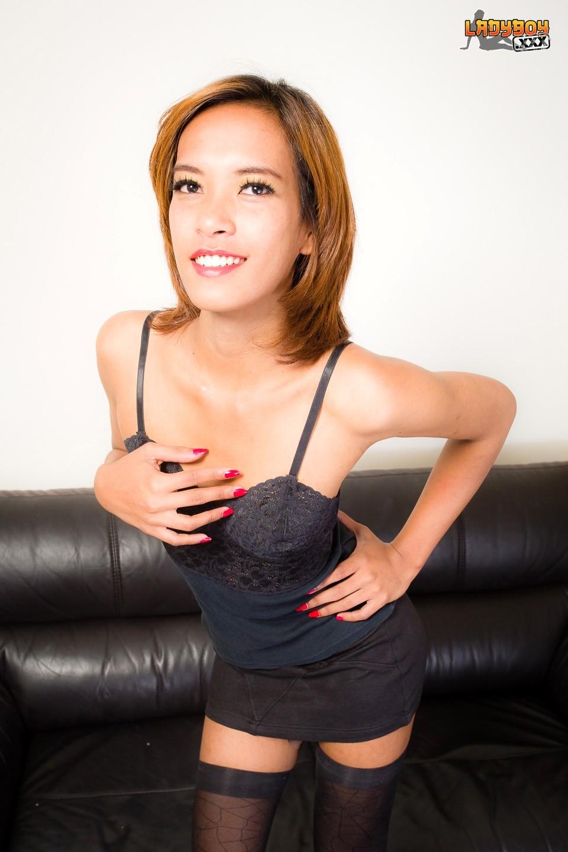 Leila Is A Dark Skinned Femboy From Bangkok. She Has A Bit