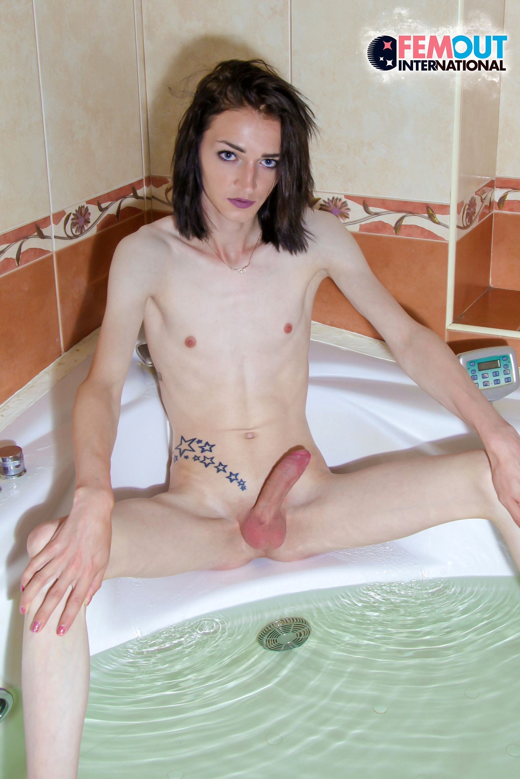 Nika Pushistova – Transvestites Fucking