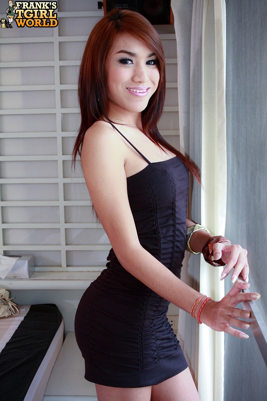 Pita Is A Arousing New Babe From Phuket. She Went To Univer