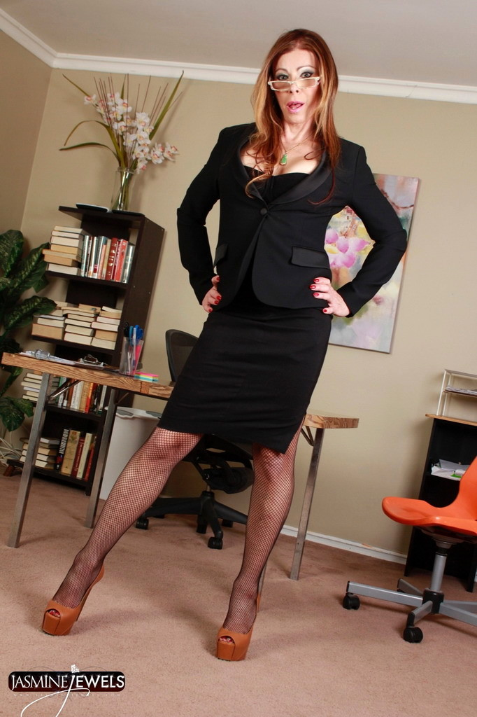 Sensuous Boss Jasmine Strips In Office
