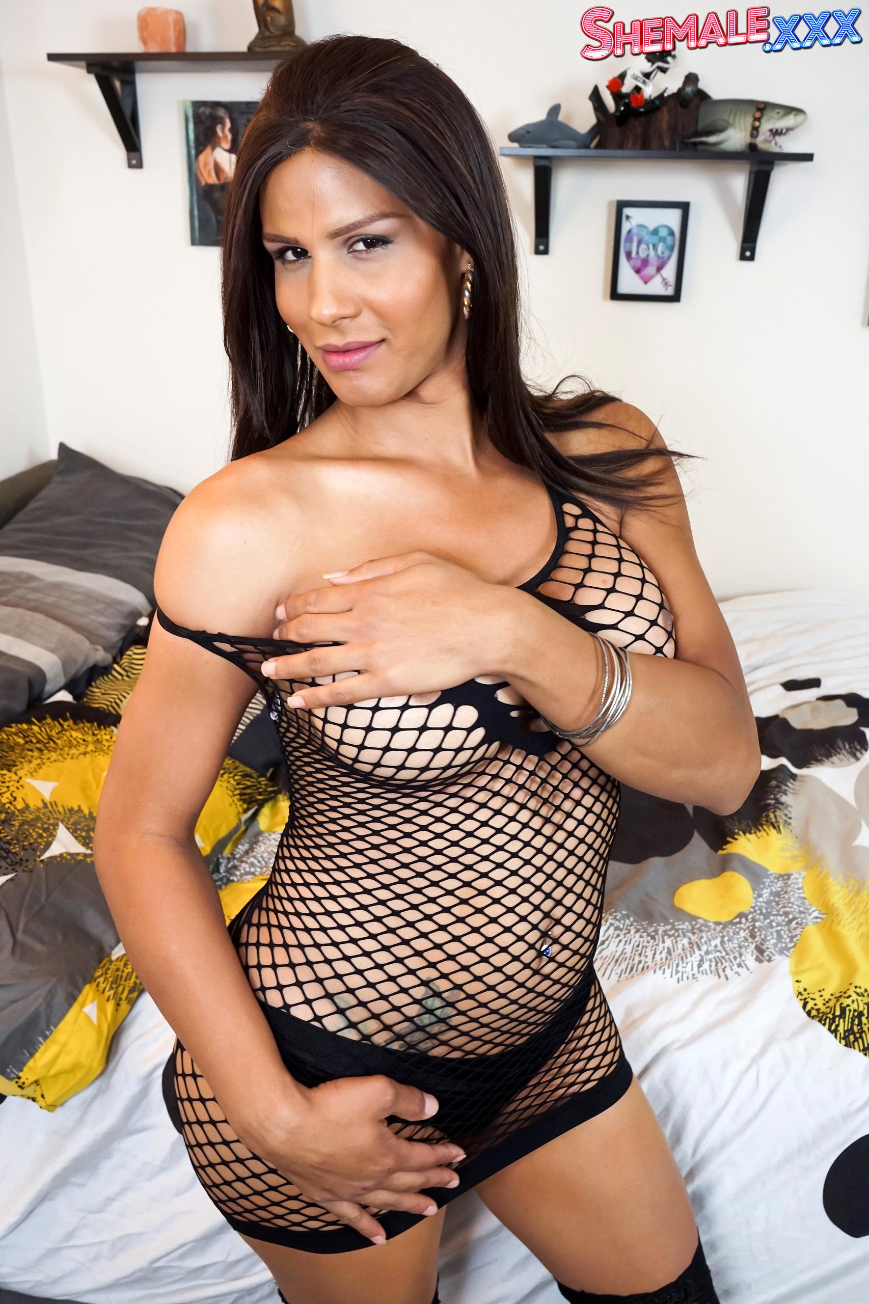 Shania – Transvestites Fucking