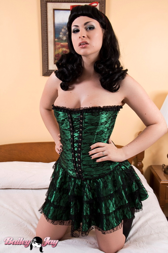 Smoking Arousing Bailey Posing In A Voluptuous Pin Up Corset