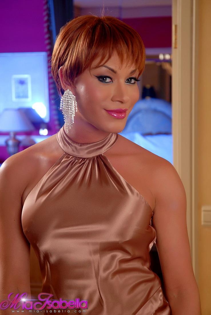 Super Racy Mia Isabella Posing In Vegas
